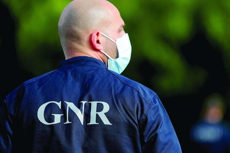 GNR fere com balas de borracha homem que usava arma de fogo em Cabeceiras de Basto