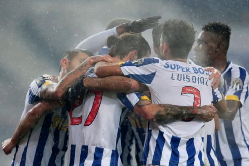 FC Porto vence Moreirense e sobe provisoriamente a segundo