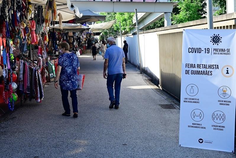 O Município de Guimarães isenta de taxas comerciantes e feirantes