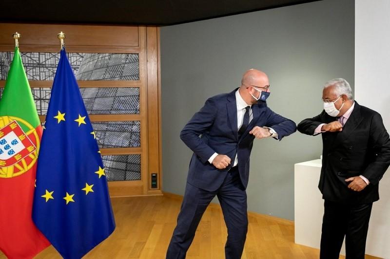Presidente do Conselho Europeu reúne-se hoje com Costa e visita Jerónimos