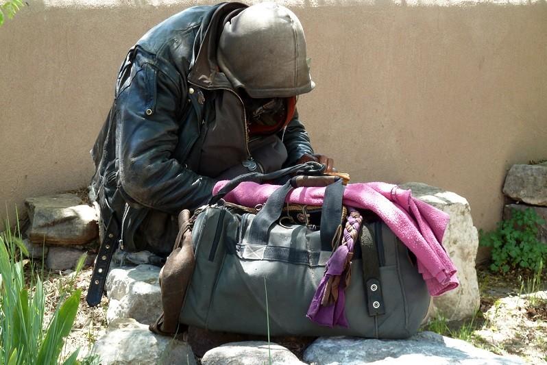 Sem-abrigo de Braga insistem em dormir na rua apesar do frio intenso