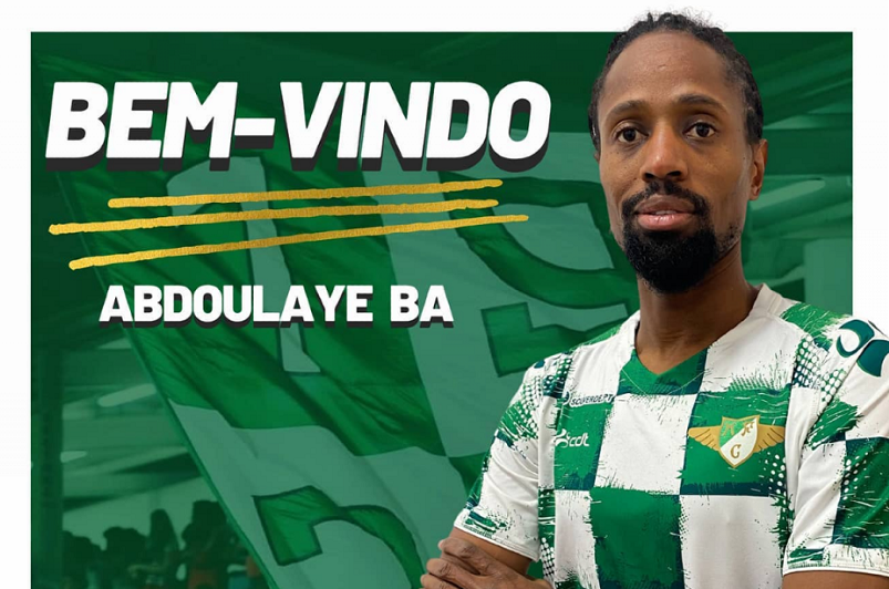 Defesa Abdoulaye Ba regressa ao futebol português para reforçar Moreirense