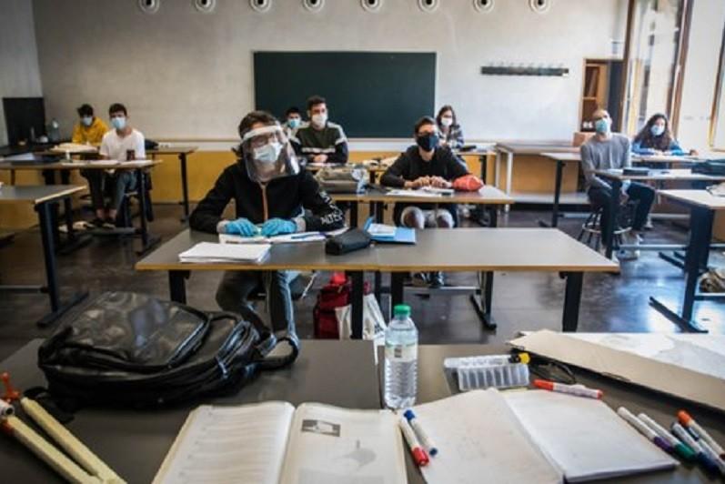Professores pedem medidas que garantam segurança das escolas abertas