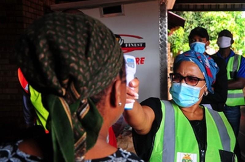 África com mais 910 mortos nas últimas 24 horas totaliza 2.986.564 casos de covid-19