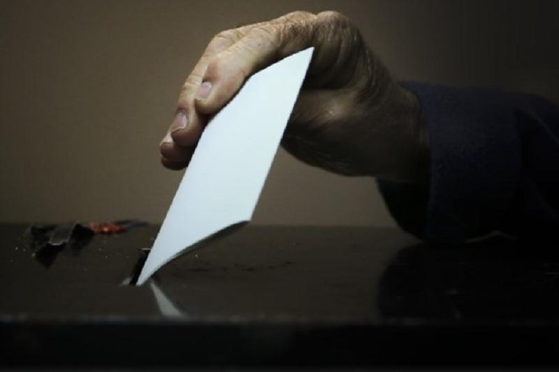 Mais de 246 mil eleitores começam hoje a votar