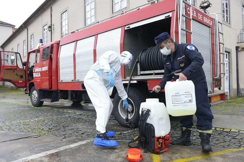 Bombeiros Sapadores de Braga dão apoio importante no combate à propagação da pandemia