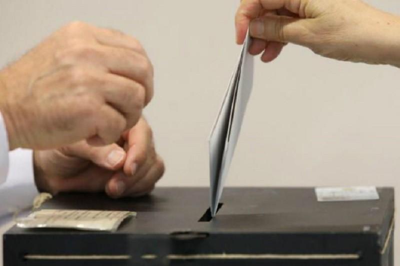 Mais de 246 mil eleitores pediram para votar já este domingo