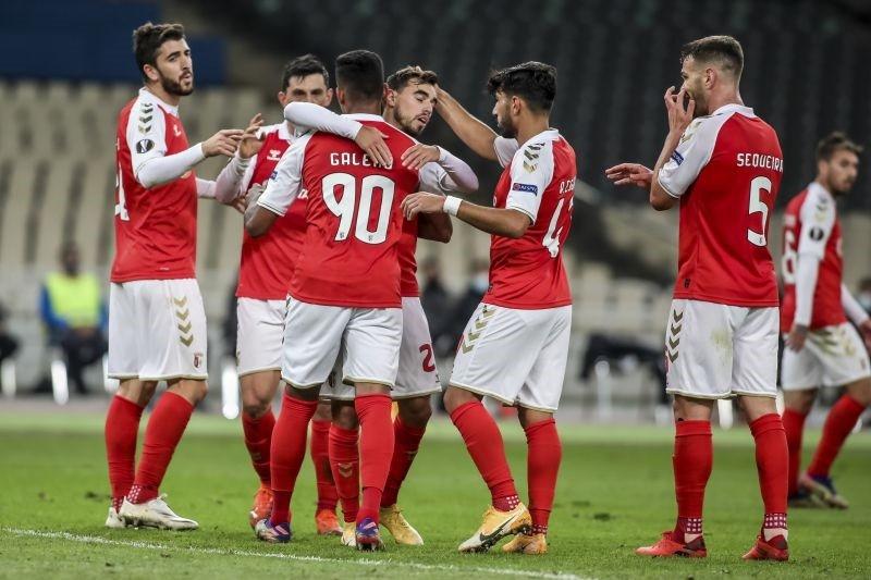 Benfica e Sporting de Braga tentam juntar-se ao Sporting na final da Taça da Liga