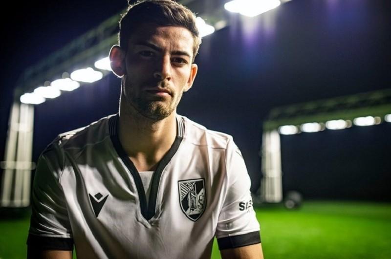 Rúben Lameiras regressa aos convocados do Vitória de Guimarães