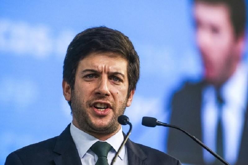 Rodrigues dos Santos reclama vitória do CDS com reeleição de PR