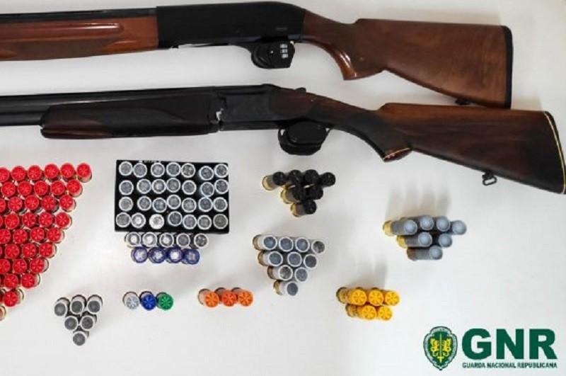 GNR de Fafe apreende armas de fogo em processo de violência doméstica