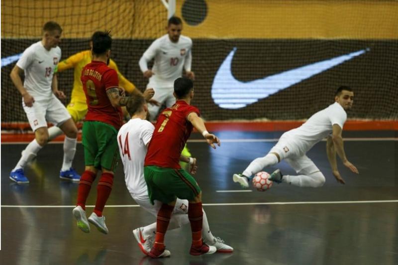 Portugal empata com Polónia no arranque para apuramento de Europeu de futsal