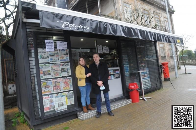 Aqui há jornais, revistas e o melhor café da cidade para começar o dia
