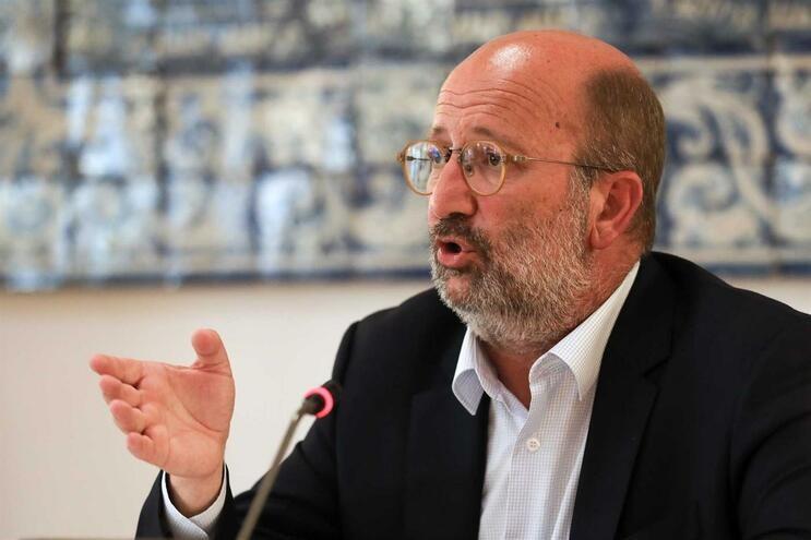 Ministro do Ambiente diz que lítio é essencial para as metas da descarbonização