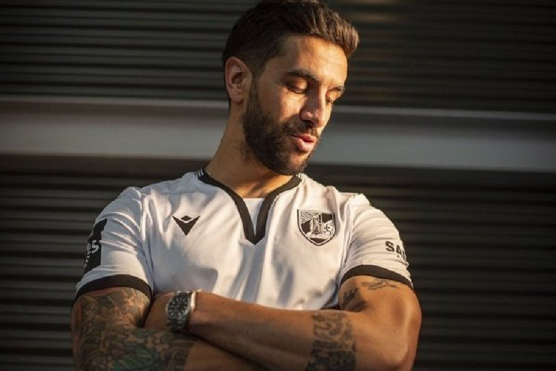 Sílvio renova com Vitória de Guimarães até junho de 2022