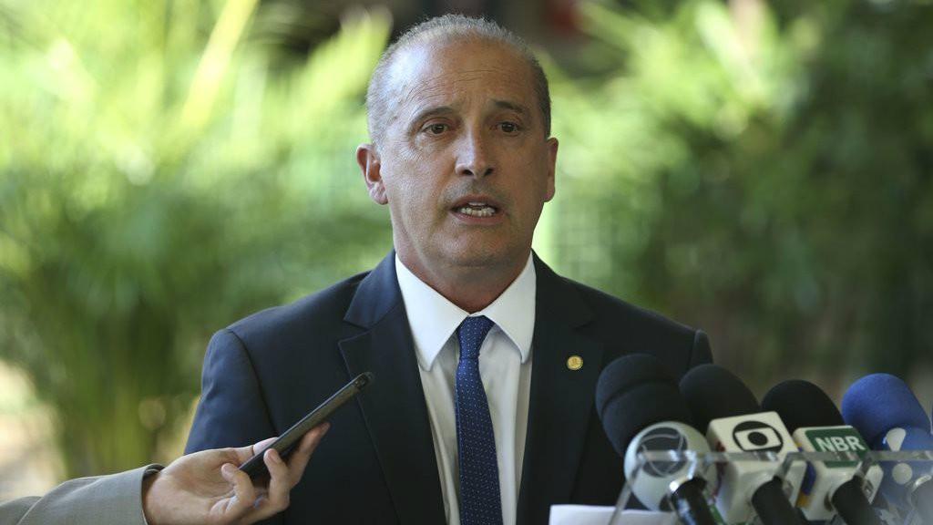 Amazónia: Ministro brasileiro diz que Governo rejeitará ajuda financeira do G7