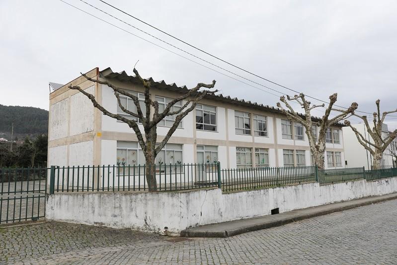 Câmara de Barcelos adjudica requalificação de escola por 804 mil euros