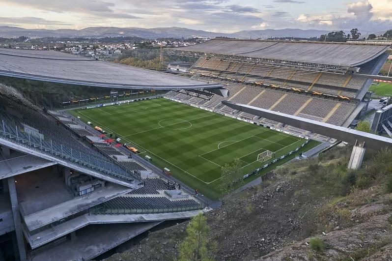 Sporting de Braga absolvido em caso de apoio a grupos de adeptos não legalizados