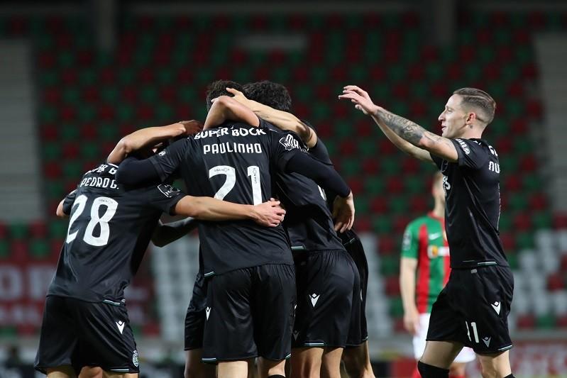 Sporting vence Marítimo e aumenta vantagem na liderança do campeonato