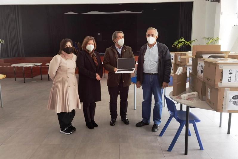 Município de Arcos de Valdevez entrega 130 computadores ao Agrupamento de Escolas de Valdevez