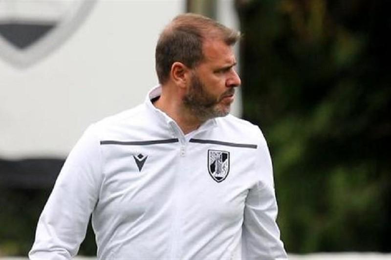Vitória de Guimarães quer vencer Farense e aproximar-se do pelotão da frente