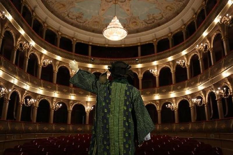 Teatro do Noroeste  CDV com Estreia no Palco para o Mundo