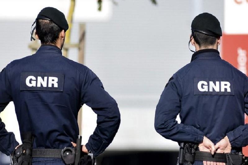 GNR de Famalicão deteve dois suspeitos de furto de carro e de tráfico de droga