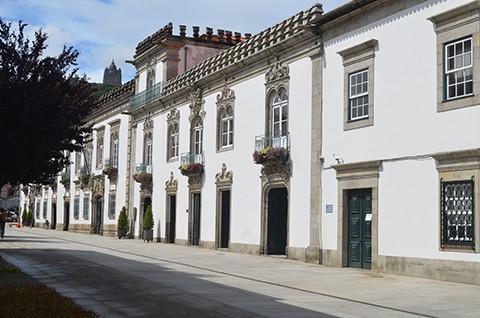 Louvor para assistente municipal de Viana do Castelo que encontra e devolve 3.700 euros