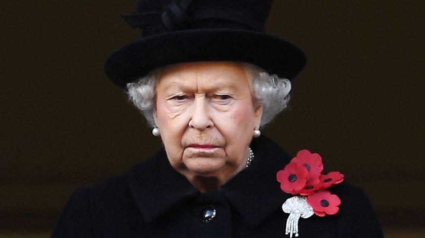 Brexit: Isabel II aprova formalmente suspensão do Parlamento