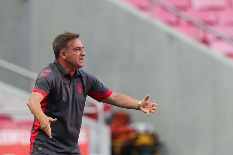 Carlos Carvalhal leva jovem Hernâni para Roma e deixa de fora Raul Silva