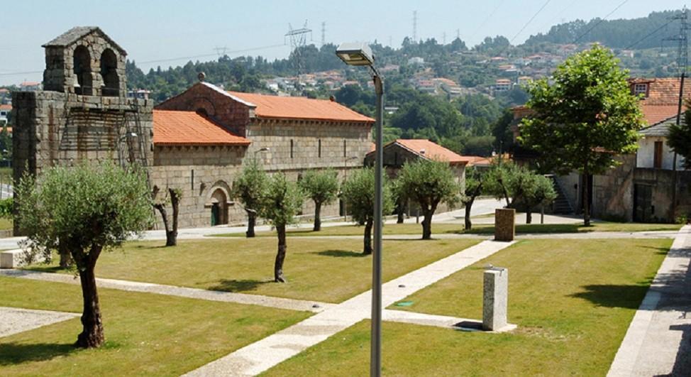 Obras em igreja românica de Guimarães em concurso em março