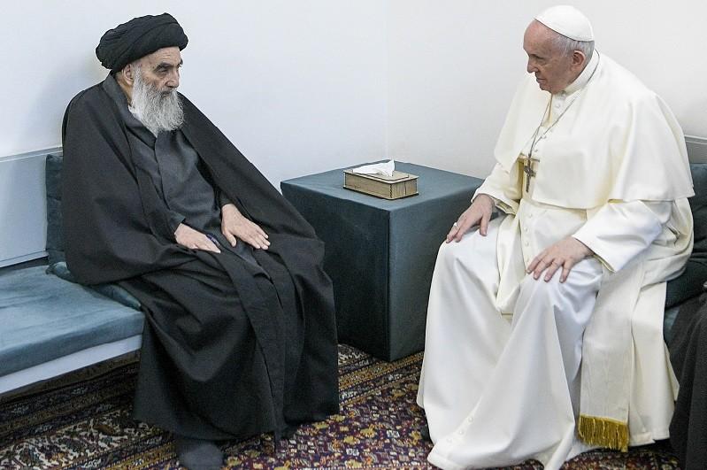 Aiatola iraquiano diz ao Papa que cristãos no Iraque deveriam viver em paz