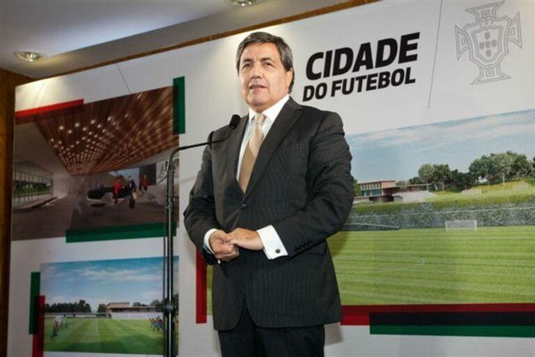 LE: Fernando Gomes felicita minhotos acesso à fase de grupos