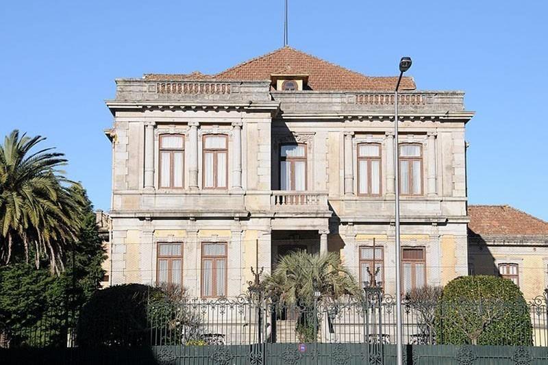 Amigos do Palacete Júlio Lima preocupados alertam para risco crescente do edifício