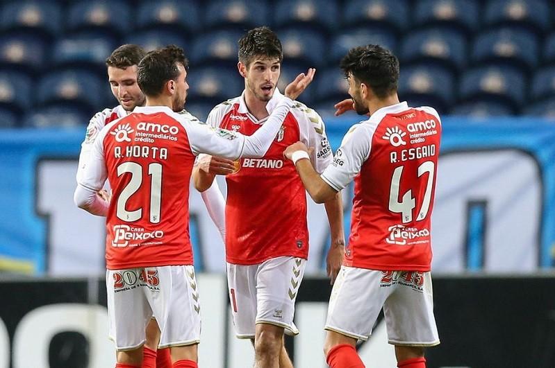 Sporting de Braga visita Famalicão em busca de regressar ao segundo lugar