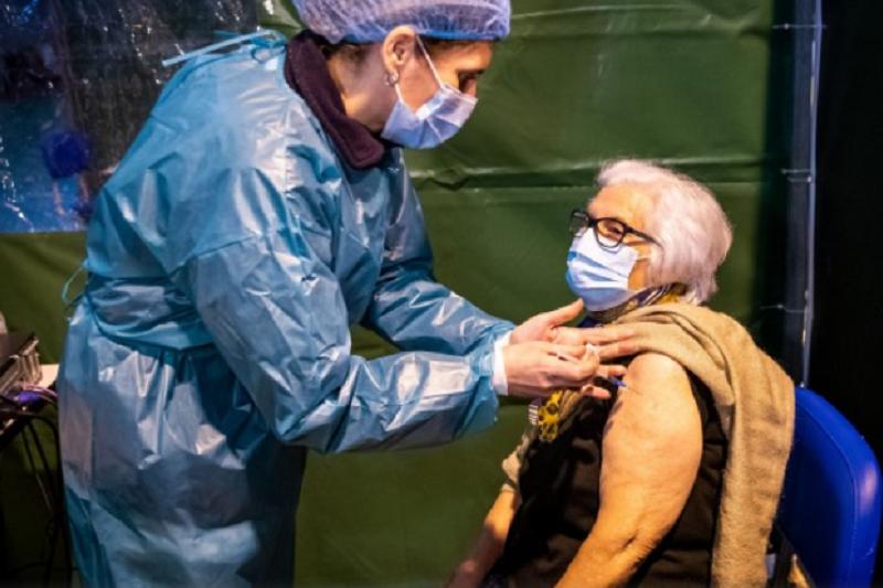 Totalidade dos utentes dos lares e cuidados continuados já recebeu 1ª dose da vacina