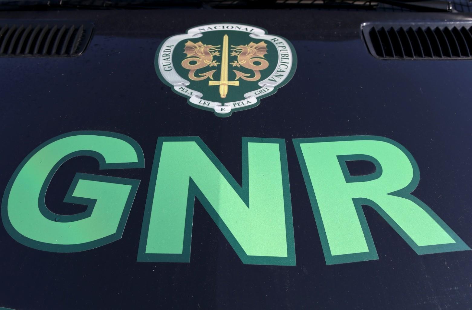 Monção: GNR detém três homens por roubo e furto de veículo