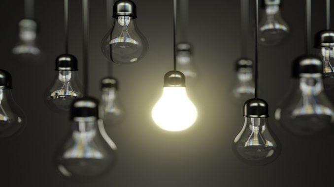 Famílias pouparam até 1.330 euros em 10 anos com novas lâmpadas mais eficientes