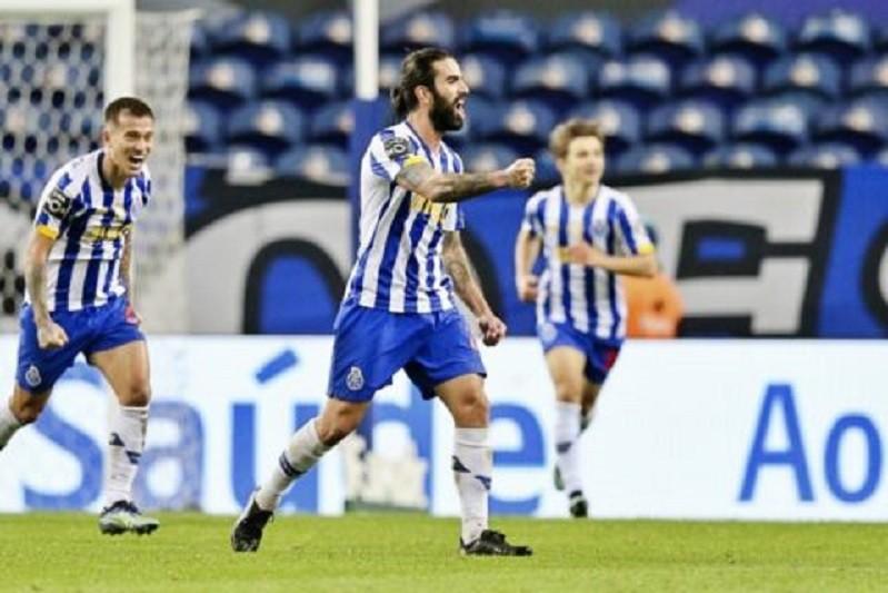 FC Porto vence em Portimão e consolida segundo lugar
