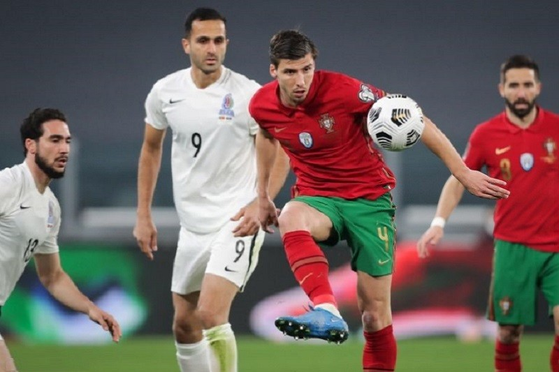 Portugal bate Azerbaijão com autogolo na estreia na corrida ao Mundial2022