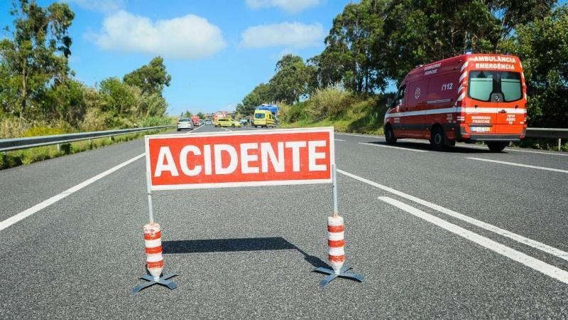 Dois mortos em acidente rodoviário em Famalicão