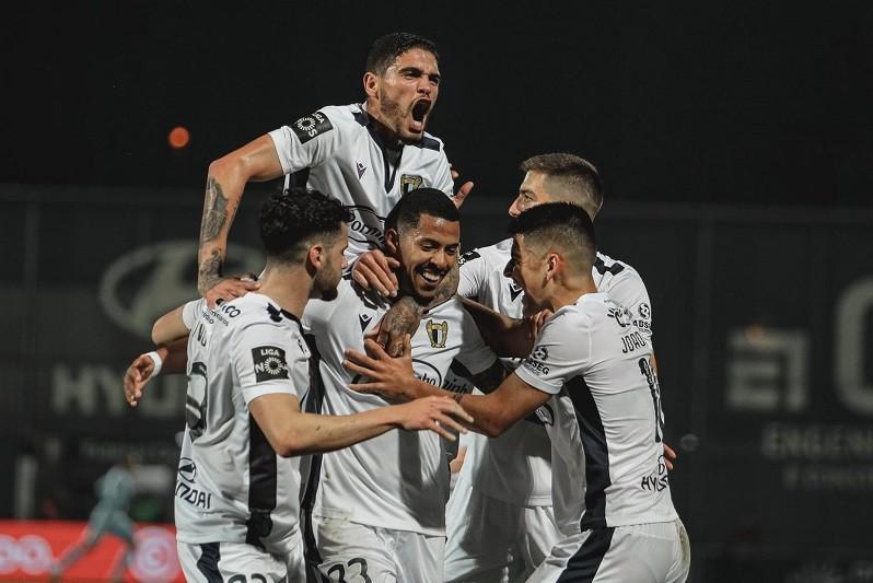 Famalicão vence Paços de Ferreira e afasta-se da zona de despromoção