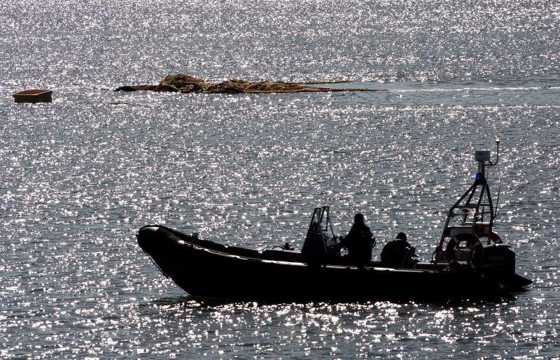 Navio espanhol reforça terça-feira buscas pelo triatleta desaparecido no rio Minho