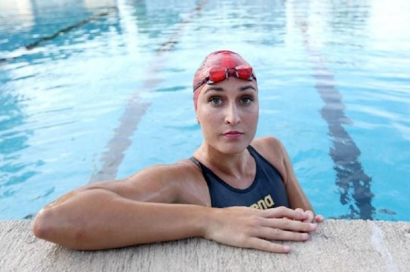 Nadadora Tamila Holub sem referências mas com expetativas elevadas para os Jogos Olímpicos