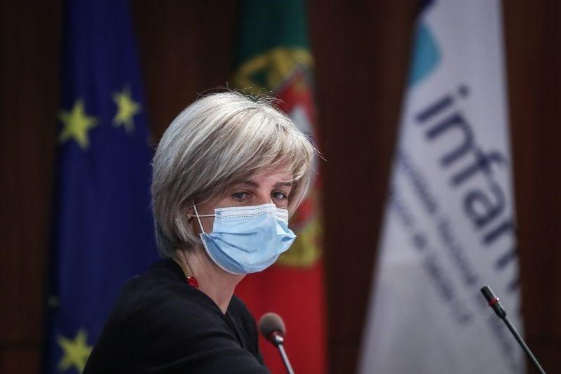 Ministra diz que é prematuro falar de pausa na vacina da Janssen