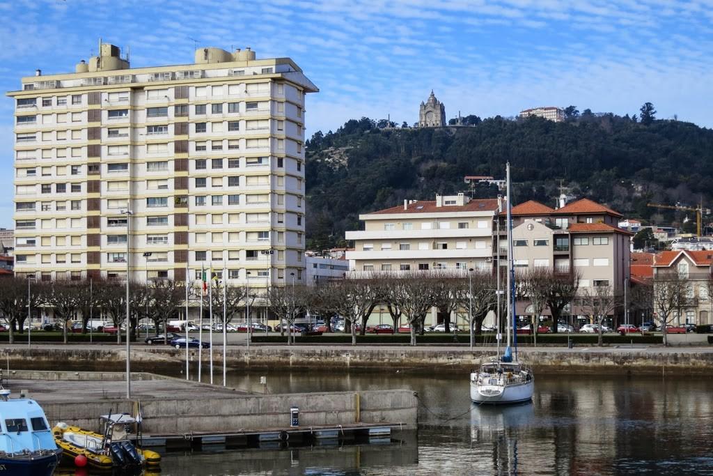 Maioria dos últimos moradores não quer sair do prédio Coutinho em Viana do Castelo