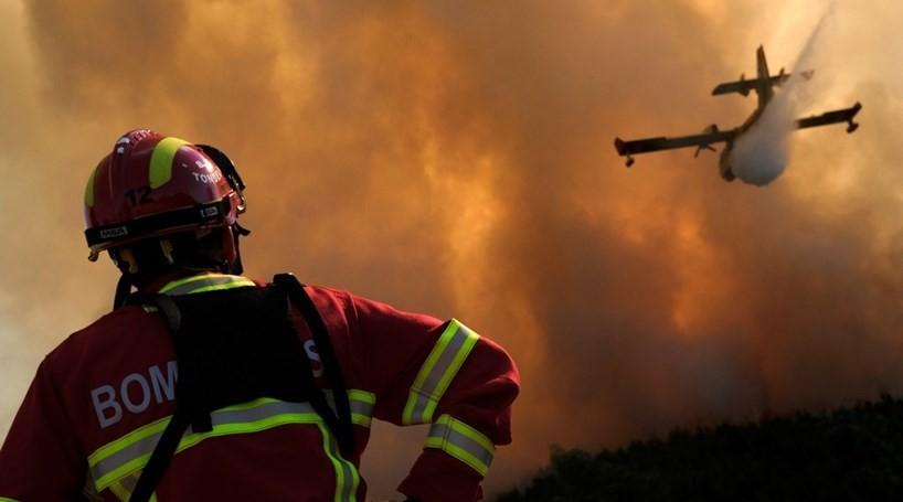 Incêndios: Governo declara situação de alerta