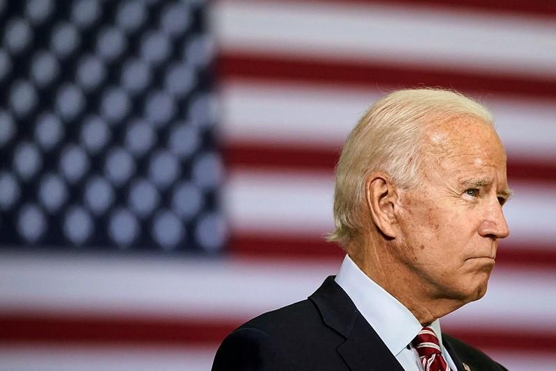 Biden compromete-se a reduzir emissões norte-americanas para metade esta década
