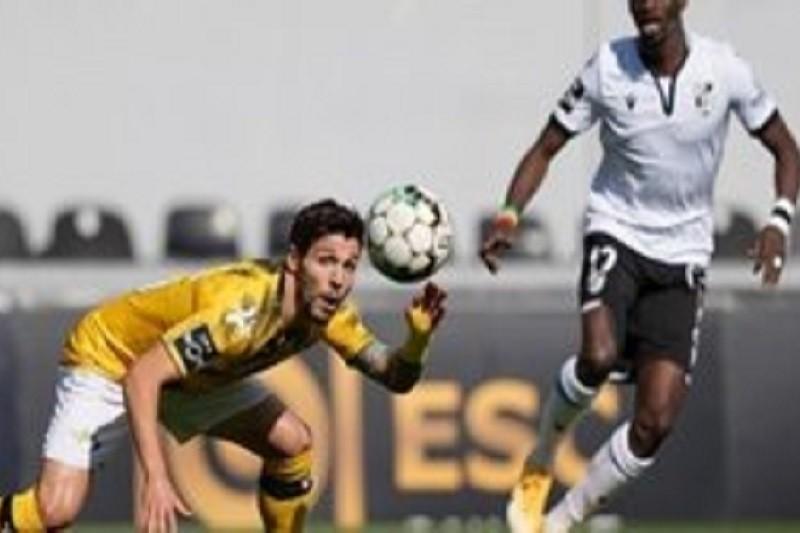 Vitória de Guimarães alcança triunfo seguro com golos dos