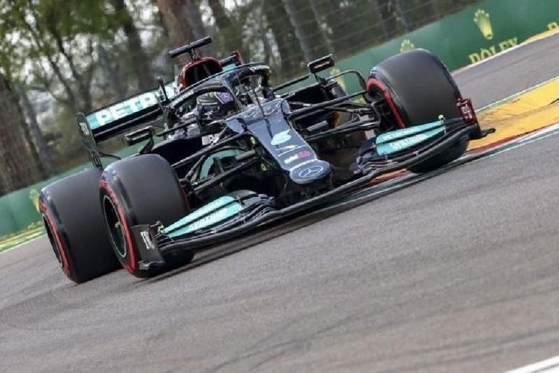 Hamilton e Verstappen discutem hoje a liderança do Mundial